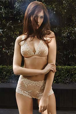 Embrace Lace naturally nude