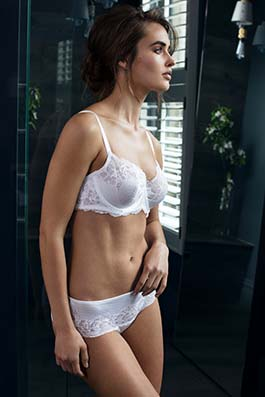 Lace Affair  white